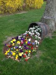 Best Ideas To Add A Bit Of Phantasy For Garden 15