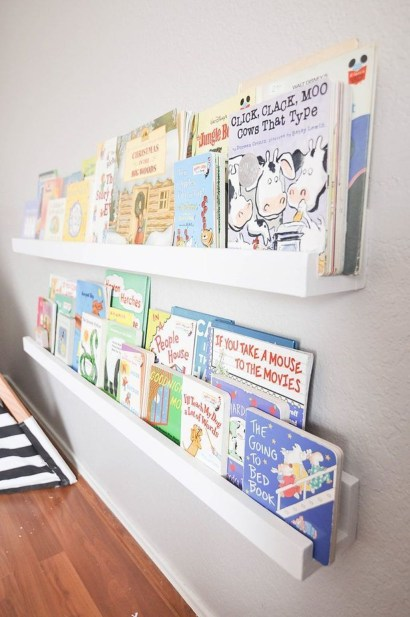 Cozy Bookcase Ideas For Kids Room 20