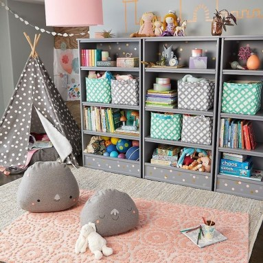 Cozy Bookcase Ideas For Kids Room 40
