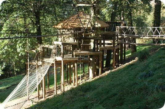 Captivating Treehouse Ideas For Children Playground 24