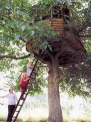 Captivating Treehouse Ideas For Children Playground 33