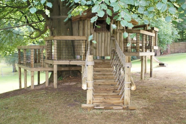 Captivating Treehouse Ideas For Children Playground 36