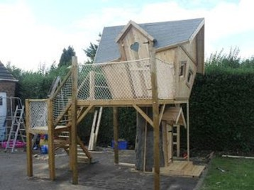 Captivating Treehouse Ideas For Children Playground 45