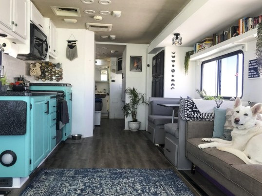 Extraordinary Interior Rv Living Ideas To Try Now 32