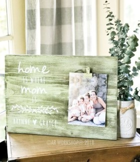 Fascinating Wood Photo Frame Ideas For Antique Home 47