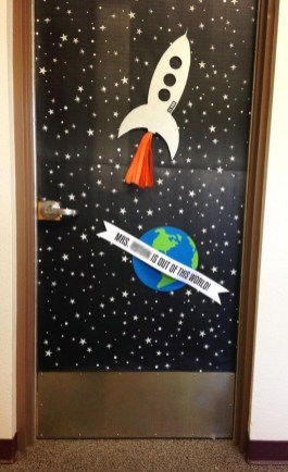 Lovely Doors Decoration Ideas You Need To Try 17