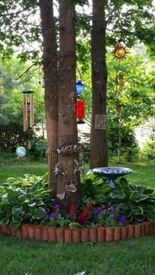 Adorable Flower Beds Ideas Around Trees To Beautify Your Yard 43