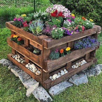 Casual Diy Pallet Furniture Ideas You Can Build By Yourself 43