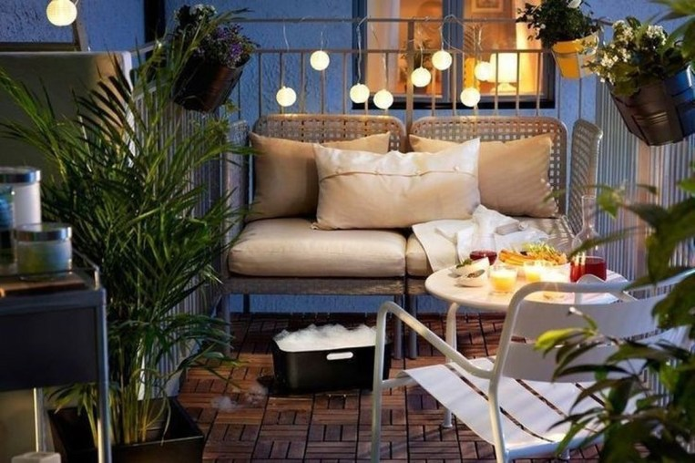 Casual Small Balcony Design Ideas For Spring This Season 28