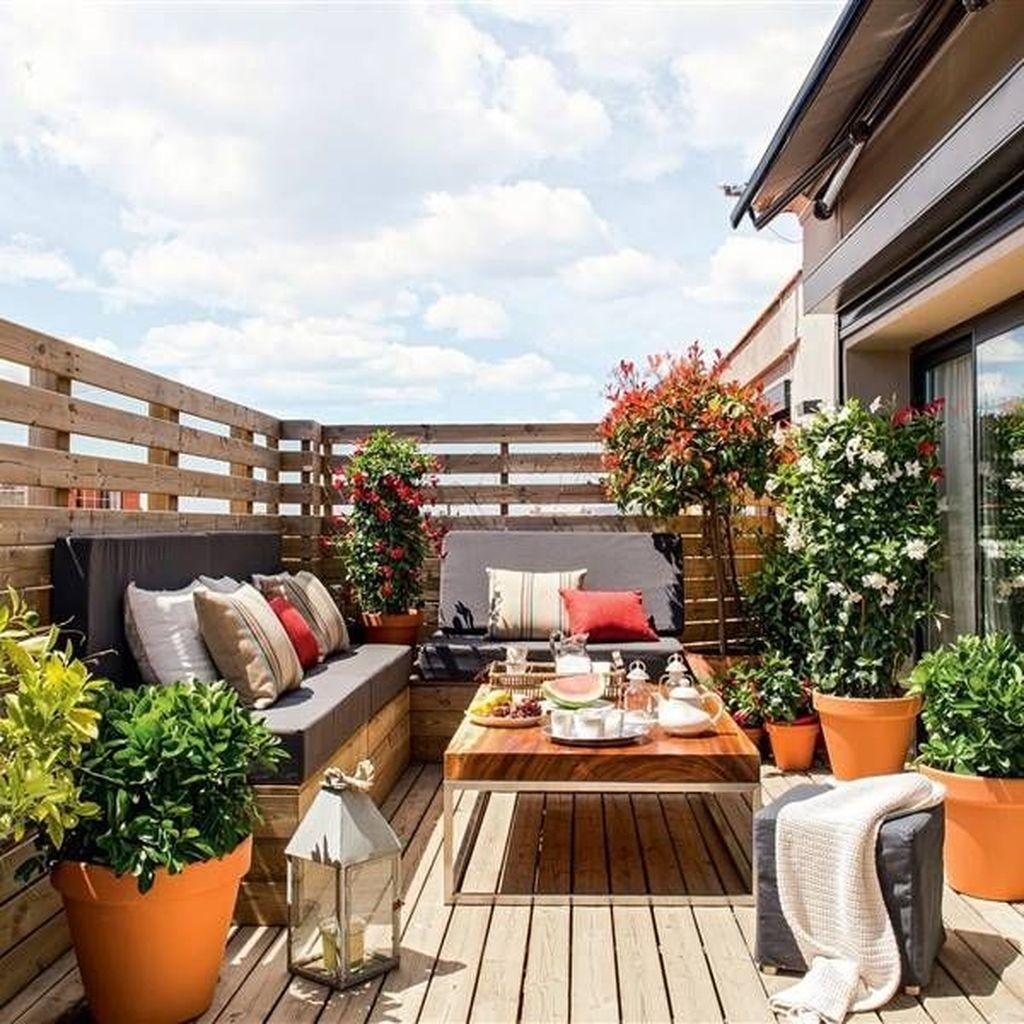 Casual Small Balcony Design Ideas For Spring This Season 48