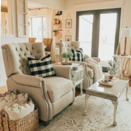 Catchy Farmhouse Decor Ideas For Living Room This Year 10