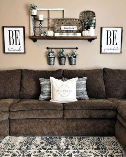 Catchy Farmhouse Decor Ideas For Living Room This Year 24