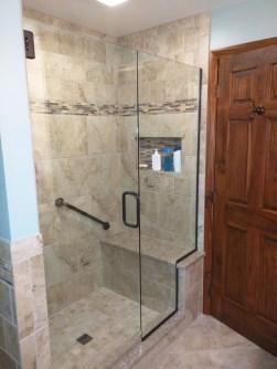 Chic Farmhouse Bathroom Desgn Ideas With Shower 20