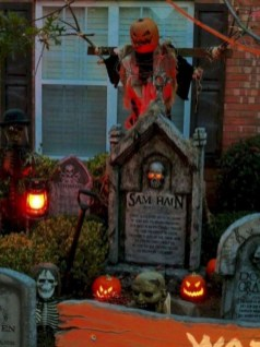 Newest Diy Outdoor Halloween Decor Ideas That Very Scary 38