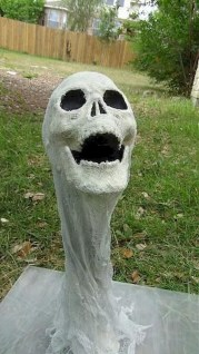 Newest Diy Outdoor Halloween Decor Ideas That Very Scary 40