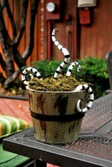 Newest Diy Outdoor Halloween Decor Ideas That Very Scary 45