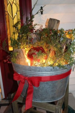 Charming Outdoor Décor Ideas For Christmas To Try 44