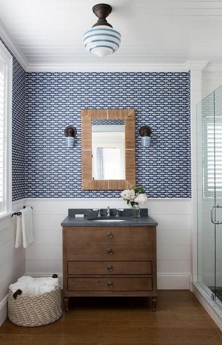 Wonderful Single Vanity Bathroom Design Ideas To Try 21