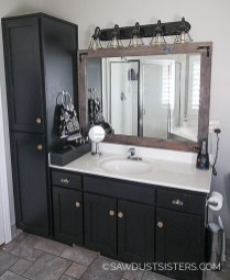 Wonderful Single Vanity Bathroom Design Ideas To Try 31