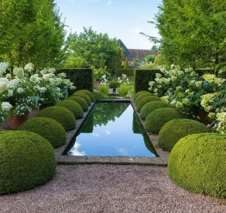 Best Ideas For Formal Garden Design27
