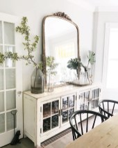 Gorgeous Dining Room Hutch Décor Ideas32