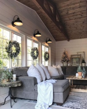 Awesome Living Room Design Ideas With Farmhouse Style30