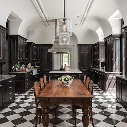 Best Ideas For Black Cabinets In Kitchen22