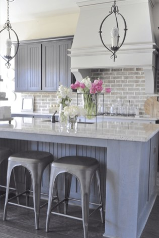 Incredible Farmhouse Gray Kitchen Cabinet Design Ideas38
