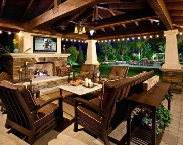 Modern Fresh Backyard Patio Ideas08