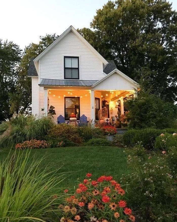 Stunning Farmhouse Home Exterior Ideas18