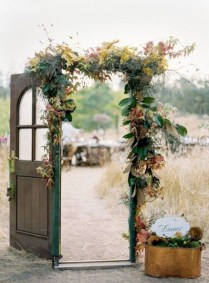 Unique Fall Wedding Decor On A Budget03