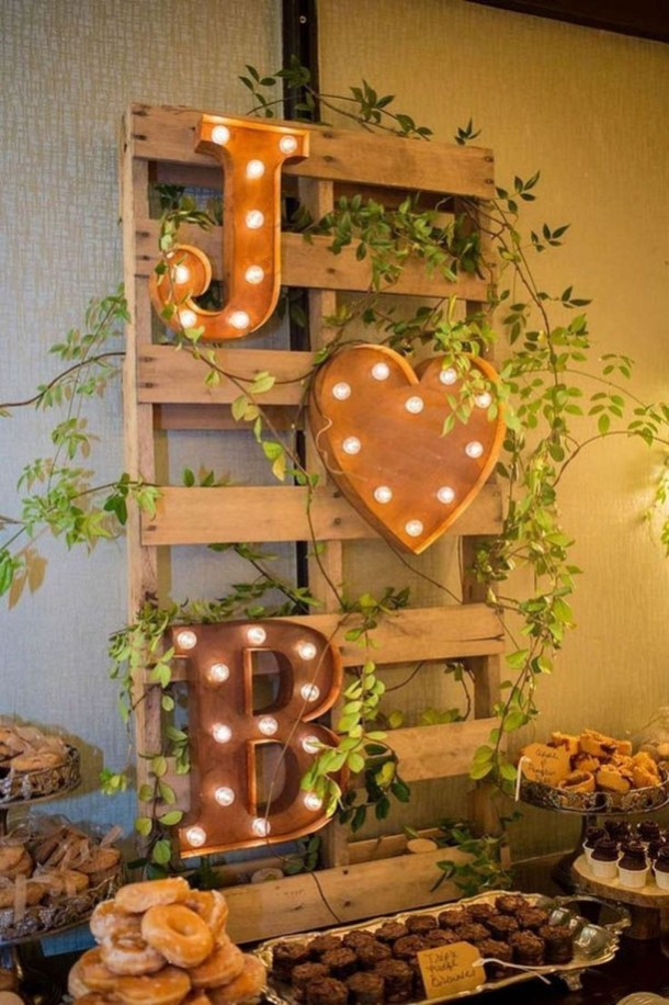 Unique Fall Wedding Decor On A Budget38
