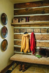 Beautiful Farmhouse Mudroom Remodel Ideas02