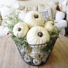 Charming Home Fall Decorating Ideas With Farmhouse Style06