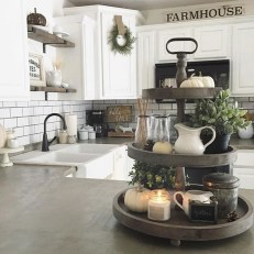 Charming Home Fall Decorating Ideas With Farmhouse Style15