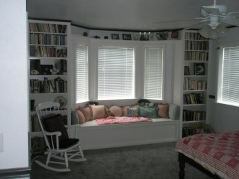 Stunning Window Seat Ideas With Padded Seat And Storage Below31