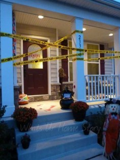 Stylish Wicked Halloween Porch Decorating Ideas On A Budget44