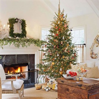 Awesome Vintage Christmas Living Room Decoration Ideas19