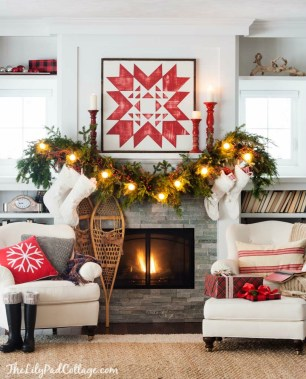 Incredible Christmas Mantel Decorating Ideas Budget06