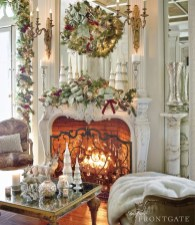 Incredible Christmas Mantel Decorating Ideas Budget09