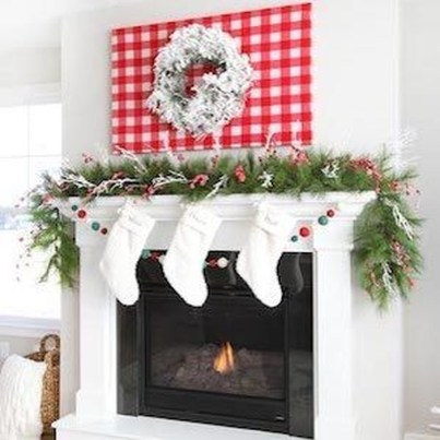 Incredible Christmas Mantel Decorating Ideas Budget30