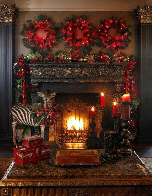 Incredible Christmas Mantel Decorating Ideas Budget37