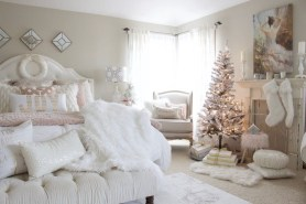 Perfect Christmas Bedroom Decorating Ideas19