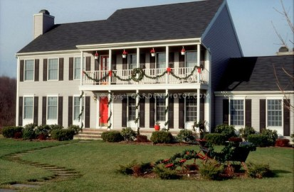 Pretty Christmas Front Yard Landscaping Ideas06
