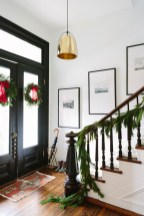 Stunning Farmhouse Christmas Entryway Design Ideas43