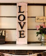 Affordable Outdoors And Indoors Signs Ideas For Valentines Day42