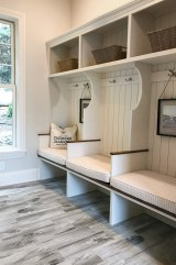 Awesome Mudroom Entryway Decorating Ideas26