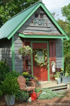 Awesome Shed Garden Plants Ideas08