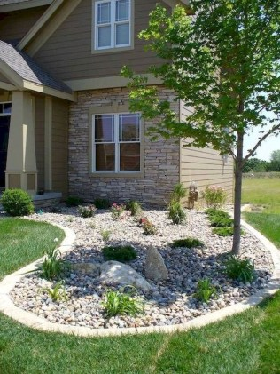 Comfy Low Maintenance Front Yard Landscaping Ideas36
