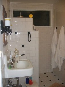 Incredible Curbless Shower Ideas For House18